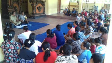 Sosialisasi Penerimaan Bibit Cabai Untuk Masyarakat Desa Nagasepaha