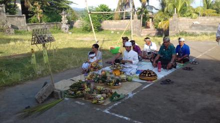 Upakara Ngeruak Pelaksanaan Pembangunan Balai Kemasyarakatan Desa Nagasepaha
