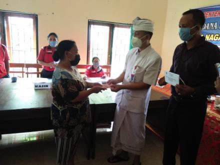 Penyerahan Bantuan Langsung Tunai Dana Desa (BLT-DD) di Desa Nagasepaha