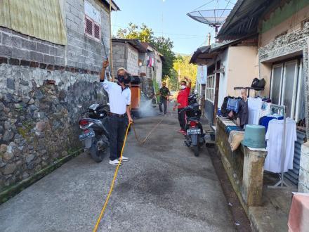 Penyemprotan Disinfektan  Satgas Covid-19 Desa Nagasepaha