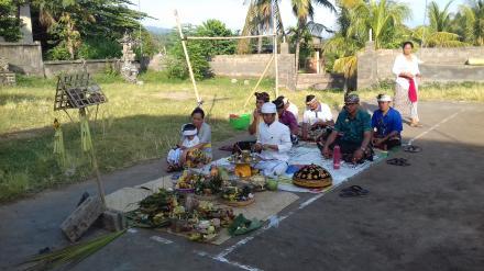 Upacara Ngeruak Balai Kemasyarakatan Desa Nagasepa