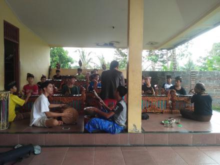 Sekeha Gong Remaja Desa Nagasepaha